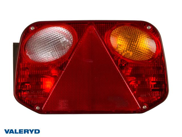 Baklampa Radex 2800 Hö 250x145x55 med skyltbelysning och backljus. Bajonettanslutning